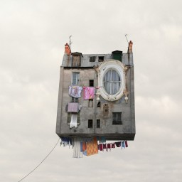 Laurent Chehere - Flying Houses, Linge qui sèche
